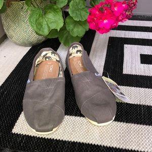 Toms Ash Canvas NWT Shoes 8